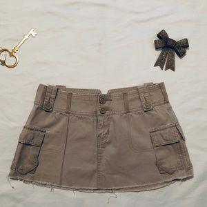 Abercrombie & Fitch khaki cargo mini skirt 4